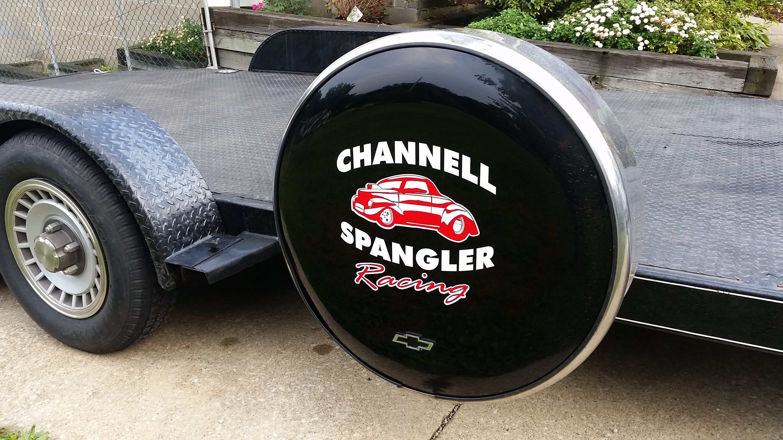 trailer-wheel-cover